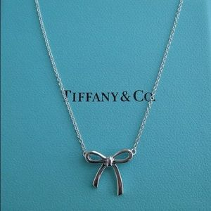 Tiffany and Co Small Bow Necklace Silver
